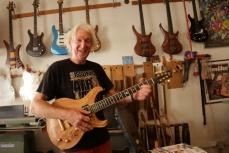 Ekkehard Hoffmann, gitaarbouwer