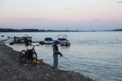 Vidin, visser aan de Donau