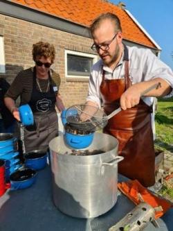b_250_333_16777215_00_images_stories_Nederland_Bruinisse_mosselenkokenw2.jpg