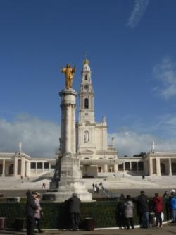 b_250_333_16777215_00_images_stories_Portugal_fatima2.jpg