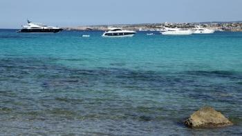 Jachten voor de kust van Formentera©puuropreis