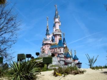 Disneyland@Dassel-Pixabay
