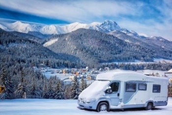 Camper in de winter