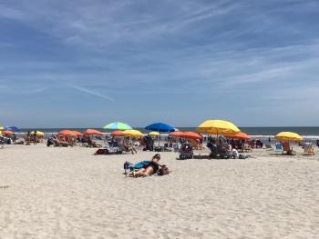 Hitte: mensen op het strand