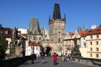 Stad van contrastenIn de klauwen van moedertje Praag