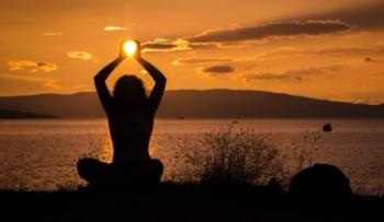 Yoga zonsondergang@MBatty-Pixabay