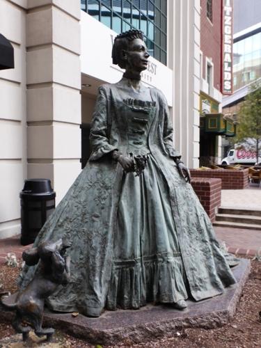 Charlotte-Standbeeld Charlotte©Puuropreis
