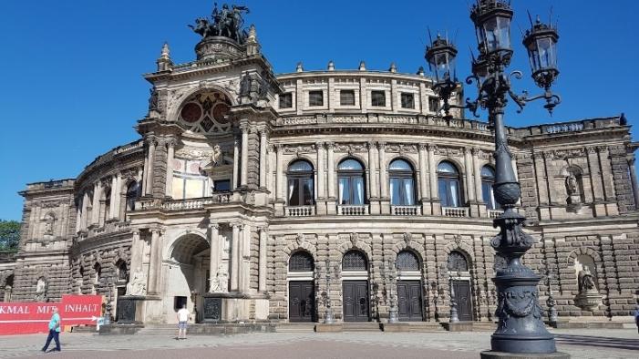 b_750_394_16777215_00_images_stories_Duitsland_Dresden_Semperoperabuiten.jpg