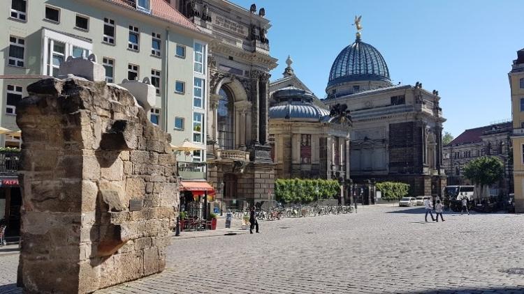 b_750_422_16777215_00_images_stories_Duitsland_Dresden_Neumarkt.jpg