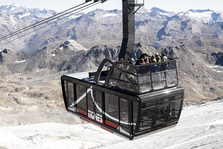 Kabelbaan met open dak in Tignes ©alternative_media