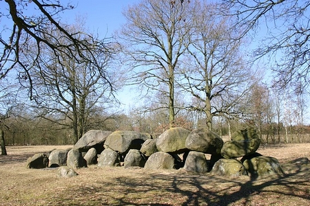 Hunebed in Drenthe ©harrie wolters-pixabay